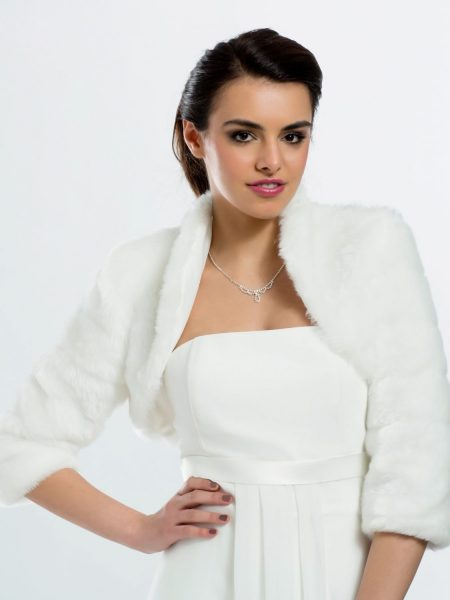 BB42 – ivory faux fur cropped bridal jacket with 3/4 length sleeves