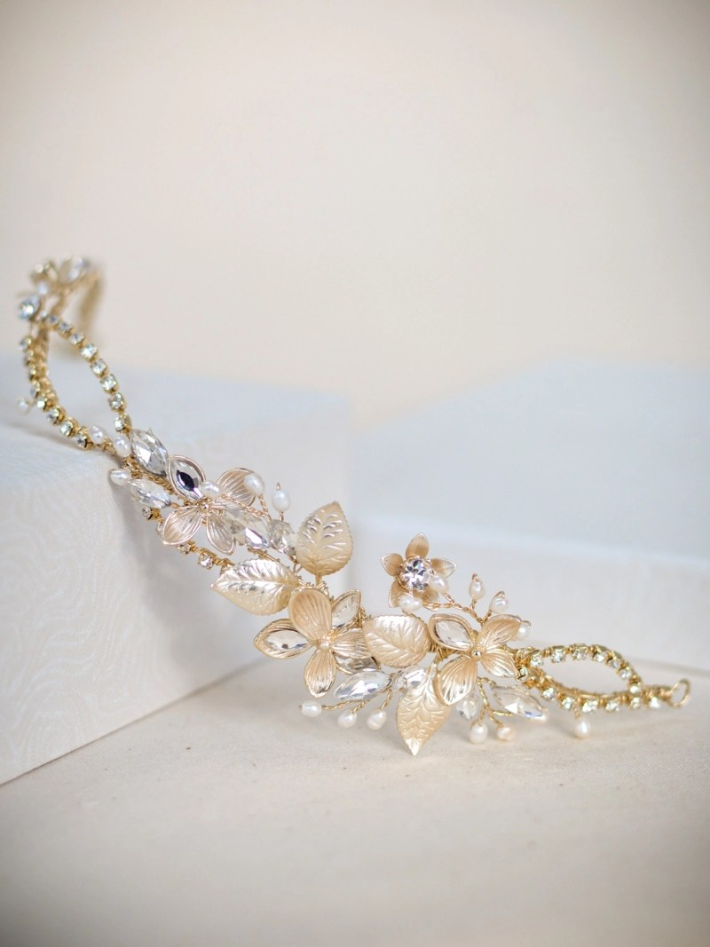 LP727 - floral diamante hair vine in gold