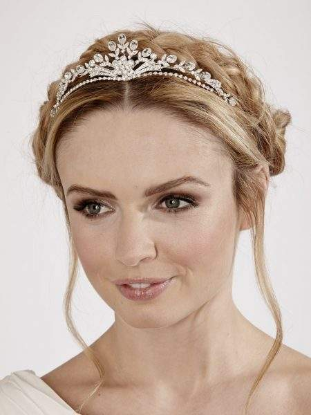LT611 – silver diamante bridal tiara with a central flower