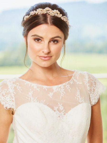 AW1262 – crystal & diamante bridal tiara
