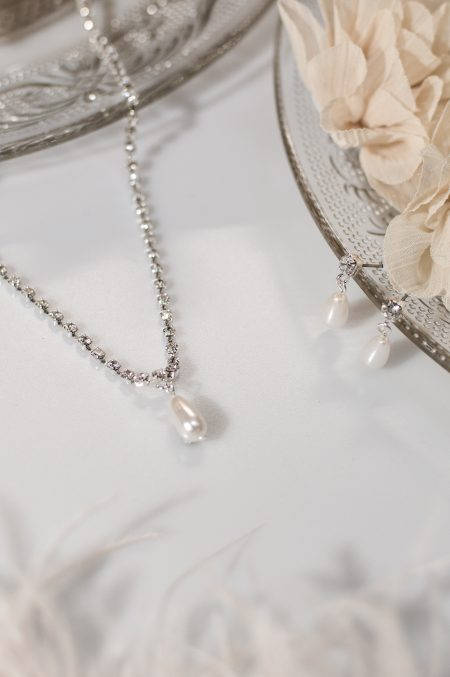 TLS1519 – diamante necklace with pearl drop & matching earrings