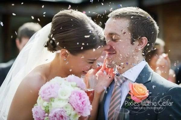 bride and croom confetti