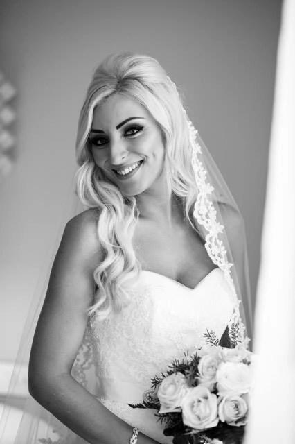 custom lace veil on bride Marelda