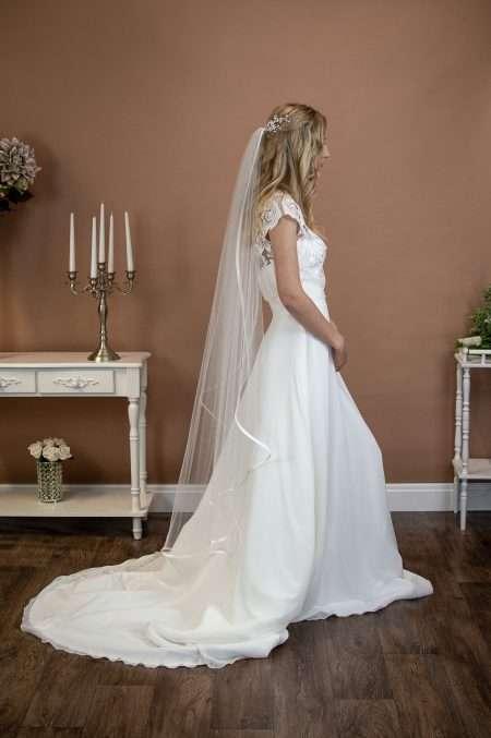 CAMILLA – single layer waltz length angel cut veil with satin edging