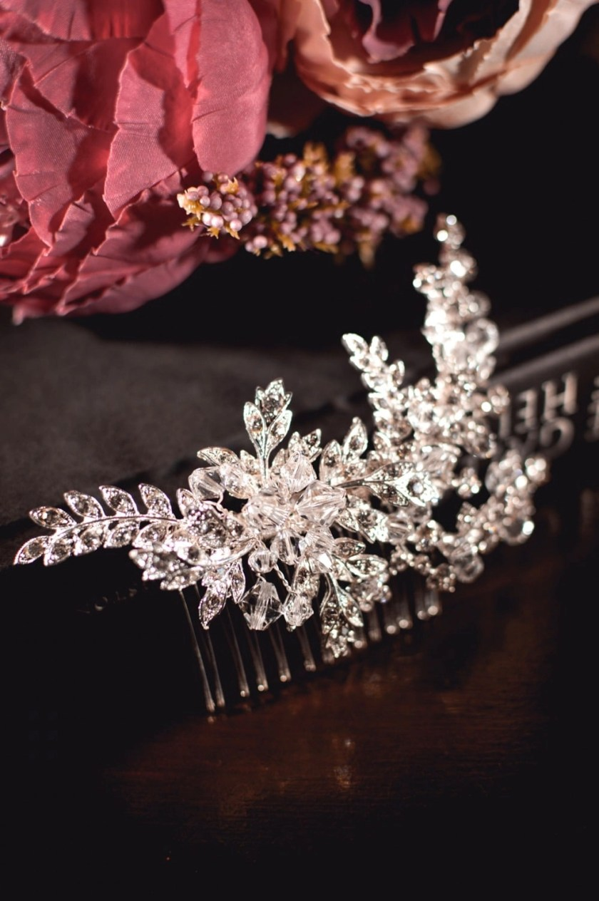 Rita - Vintage bridal hair comb with diamante leaves closeup TLH3001 (2)