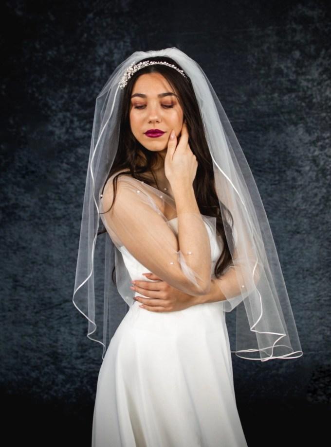 Kara – one layer hip length veil with ribbon edging (3)
