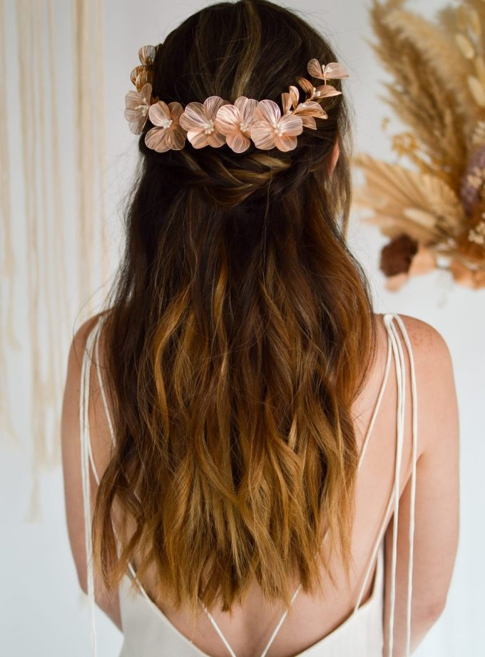 LP759 blush metal hair vine