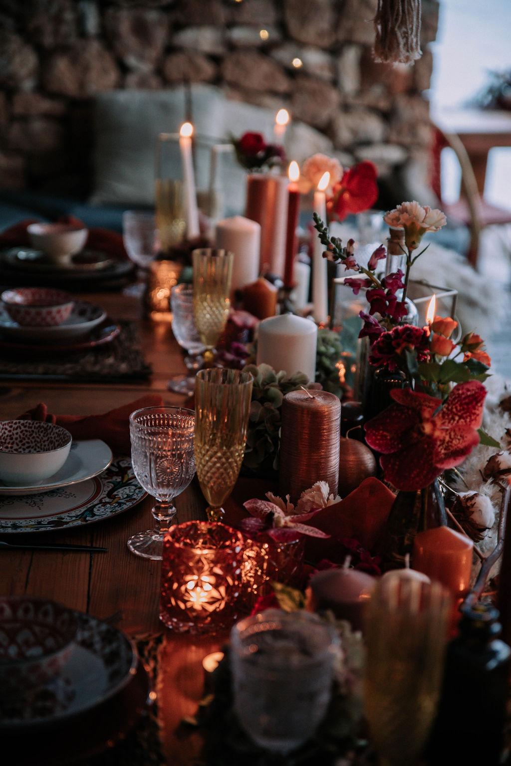 Destination wedding table centrepiece