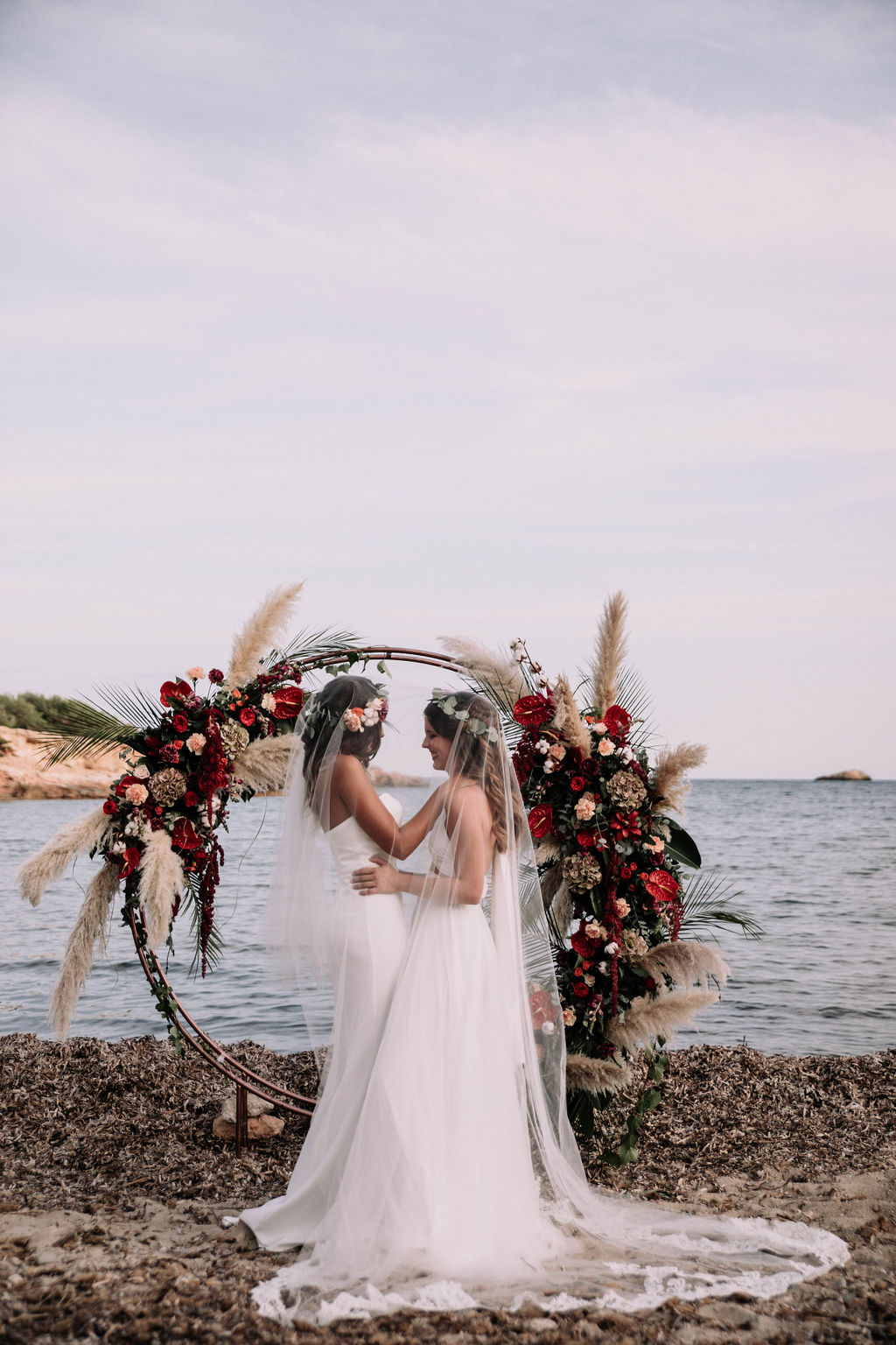 Two brides one veil, gay wedding inspiration