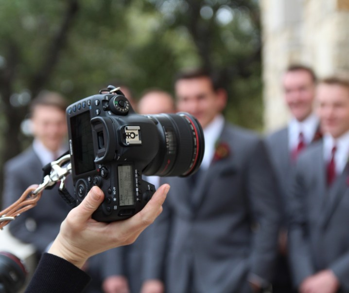 What to Look Out for When Hiring Wedding Photographers?