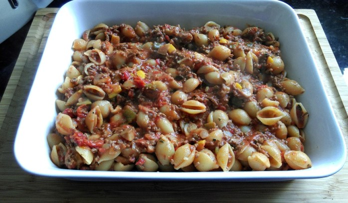Bolognese & pasta shells