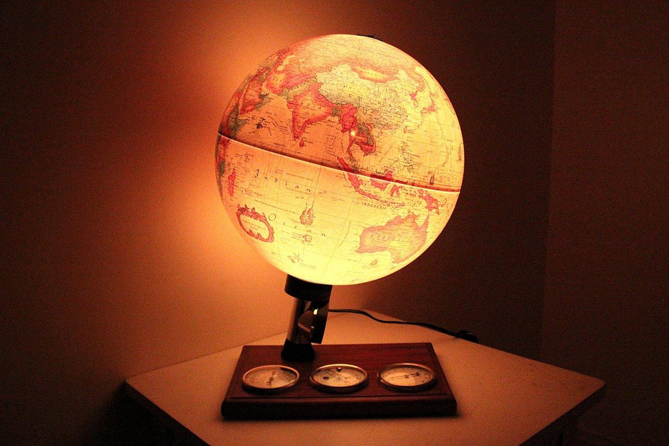 globe-lamp-2