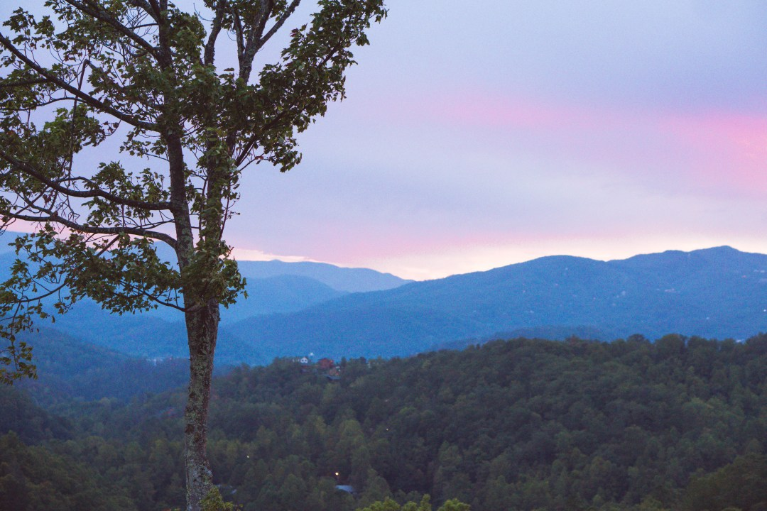 gatlinburg, smoky mountains, cabin with a view
