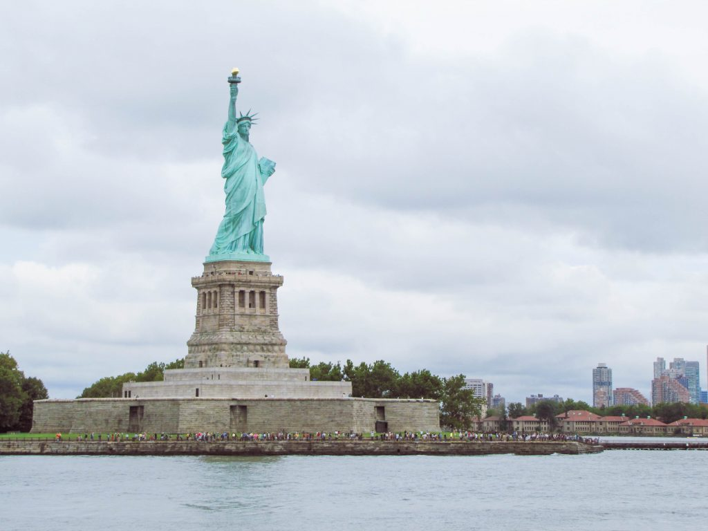 New York City, Statue of Liberty, Ellis Island, NYC Must Do, NYC Weekend, NYC Travel Guide #StatueofLiberty #NYCitinerary #NYCthingstodo