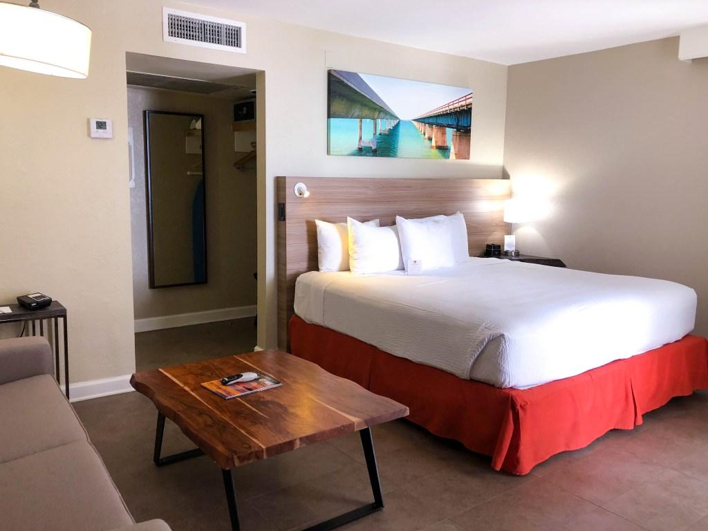 Pelican Cove Resort and Marina, Islamorada resorts, Islamorada hotels, Pelican Cove Junior Suite #travelblog