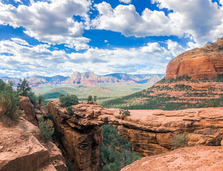 How to Spend 3 Days in Sedona, Arizona // View of Devil's Bridge