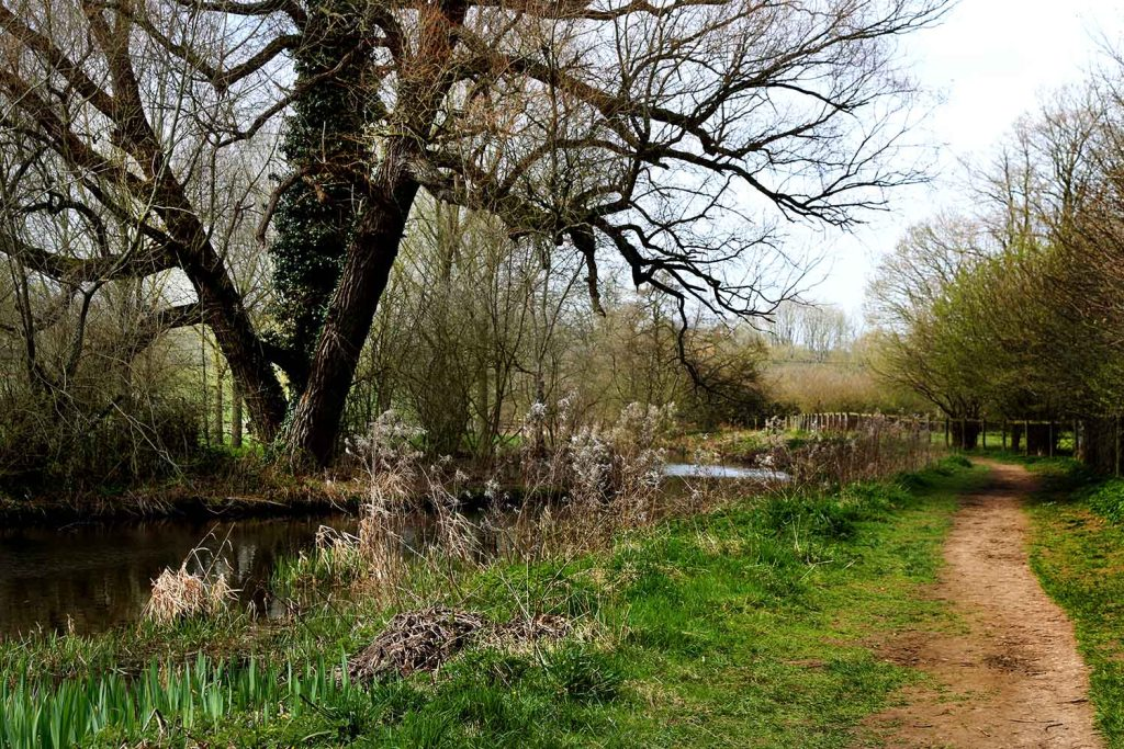 Cotswolds walk from Bourton to Slaughter - The Weekend Guide