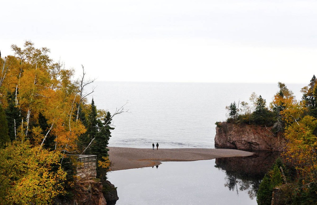It's fall, and the leaves are turning fiery colors of red and gold. Take a trip up to Minnesota's North Shore to see the colorful show. And why not stop for a craft beer or tasty pizza while you are at it? We'll tell you our favorite cafes, coolest places to sleep and best waterfall