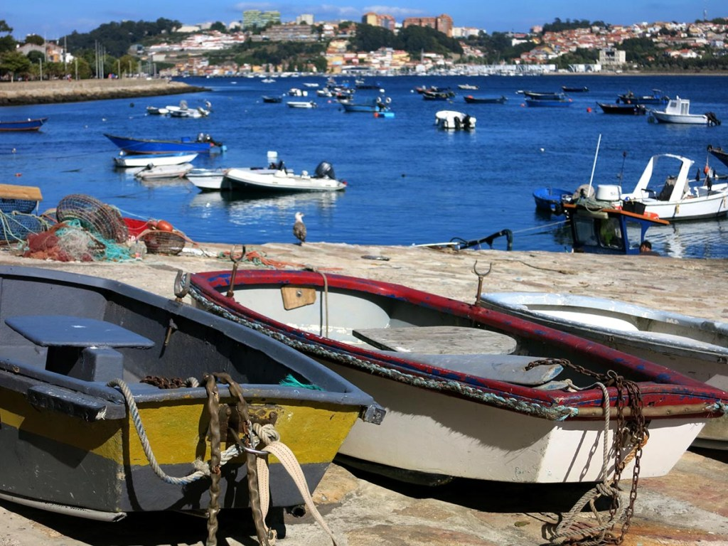 Unique Things To Do in Porto : take a walk to Foz do Douro and the beach
