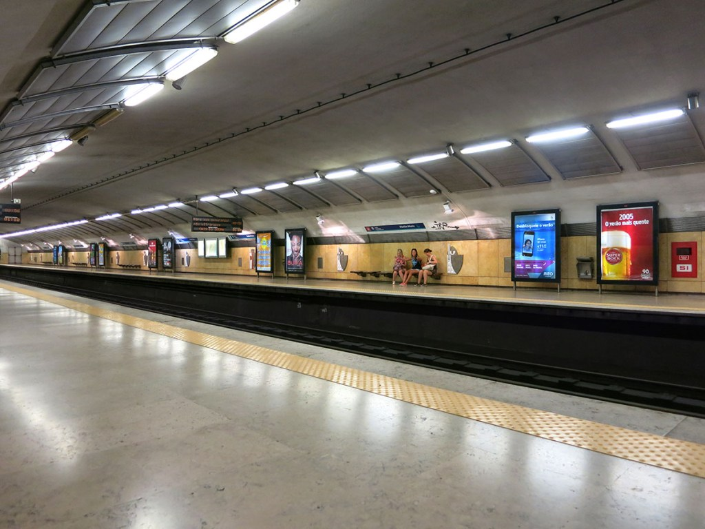 Getting around on Lisbon metro, tram and bus