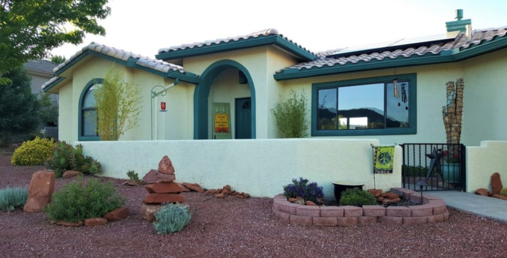 Best Places to Stay in Sedona - Sweet Sedona Sunshine house