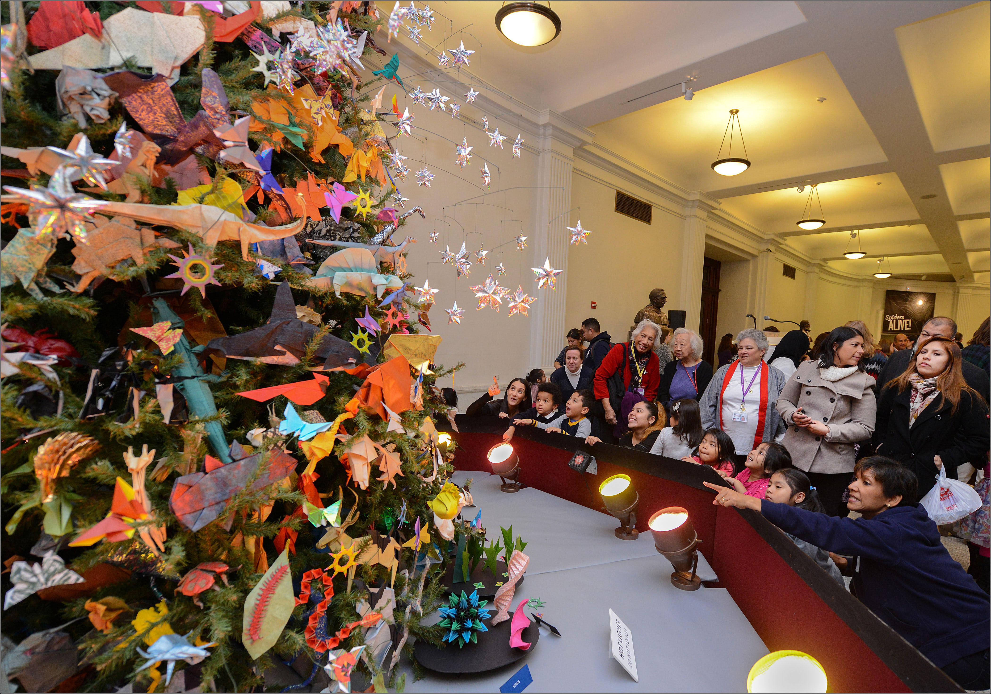 The Origami Holiday Tree at AMNH