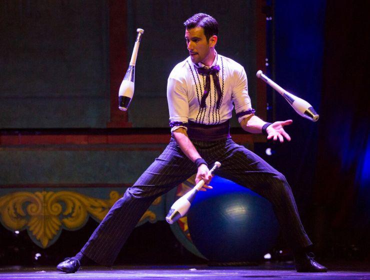 circus 1903 juggler