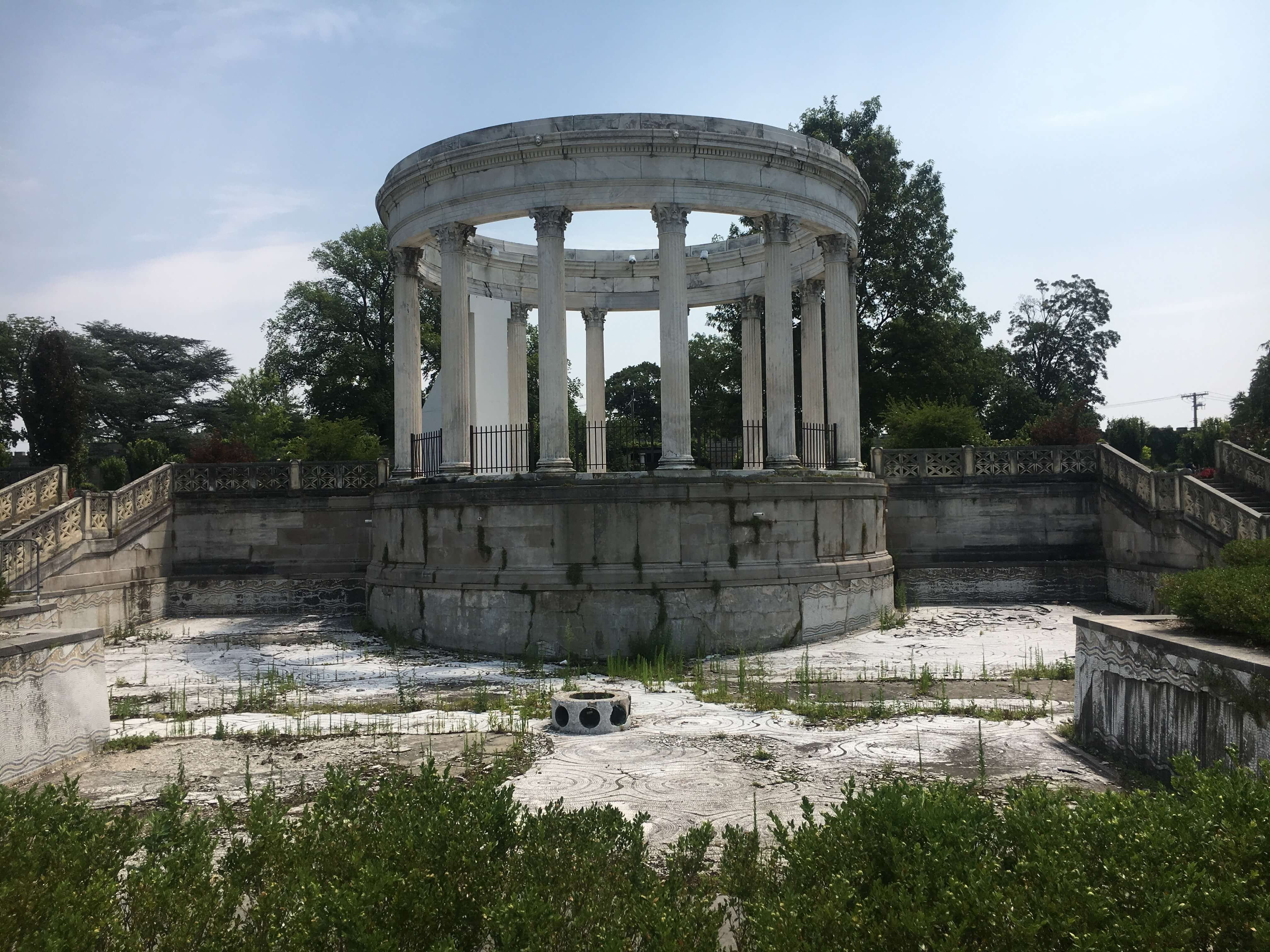 Day Trip to the Untermyer Gardens Conservatory pool