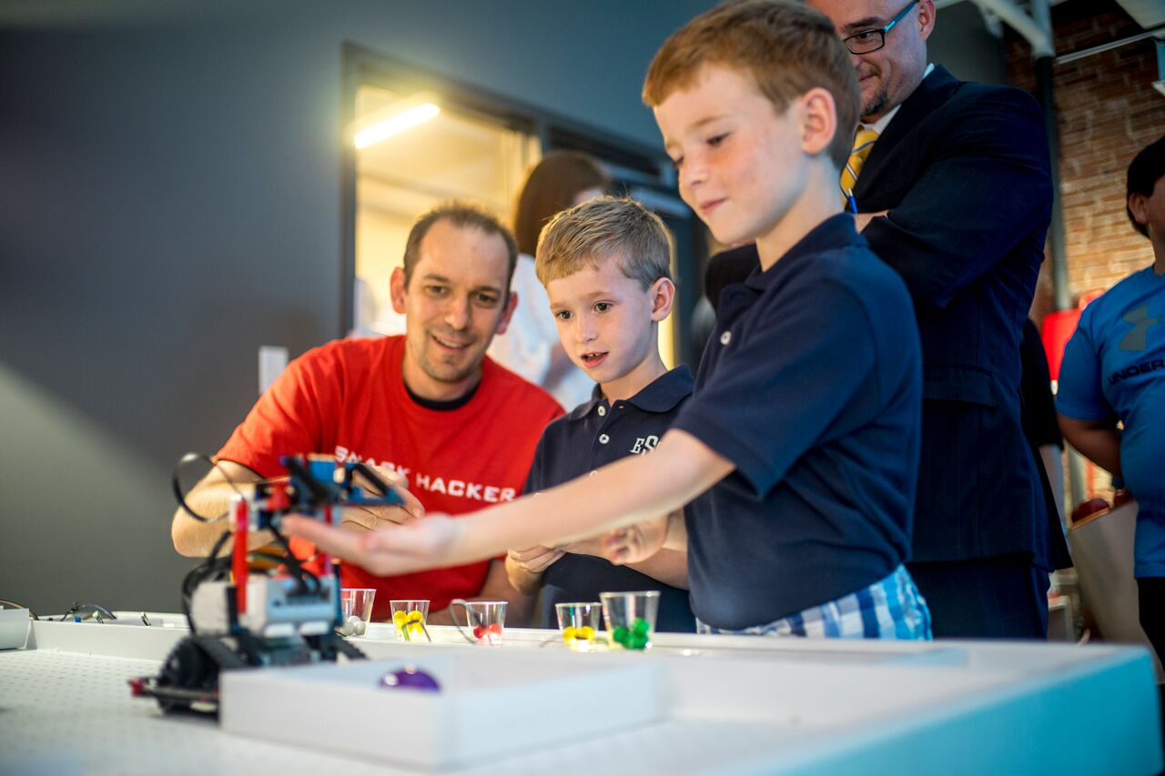 Check out this new tech event, Sue's Tech Kitchen in NYC, an event that's designed to revolutionize how families engage with technology.