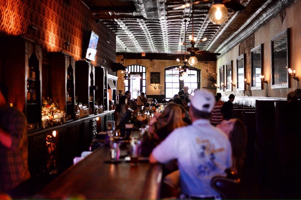 The Esquire Tavern, San Antonio   TheWeekendJetsetter.com