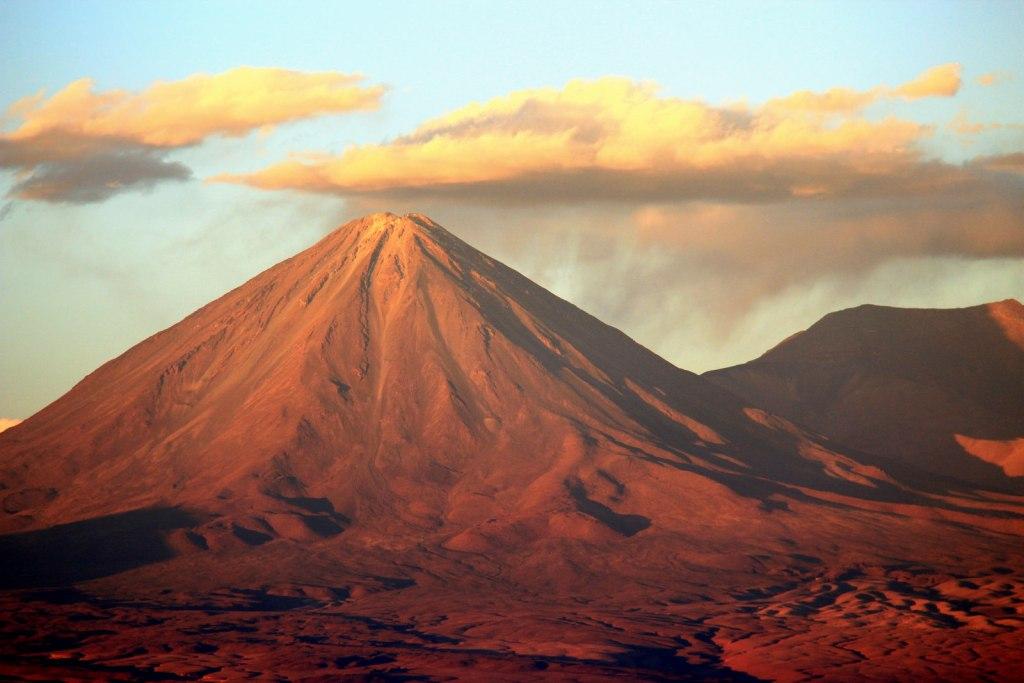 2016 Travel Destinations: Chile (photo: krheesy/Flickr) | TheWeekendJetsetter.com