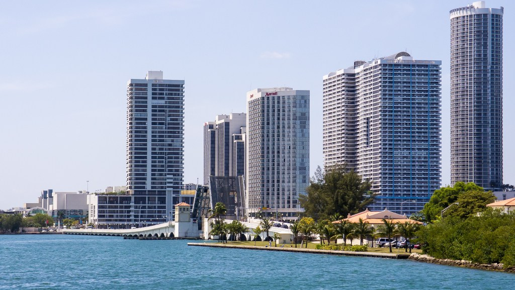 2016 Travel Destinations: Miami (photo: Ed Webster/Flickr) | TheWeekendJetsetter.com
