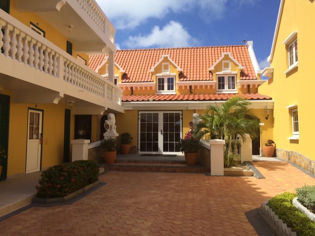Amsterdam Manor, Aruba, hotel