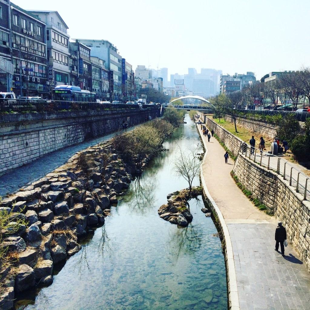 Cheonggyecheon Stream | 12 Hours in Seoul, South Korea | TheWeekendJetsetter.com
