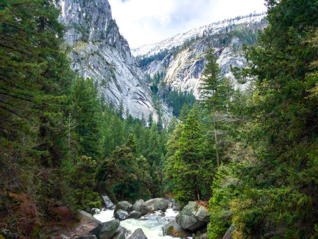 Hiking the Mist Trail in Yosemite National Park | TheWeekendJetsetter.com