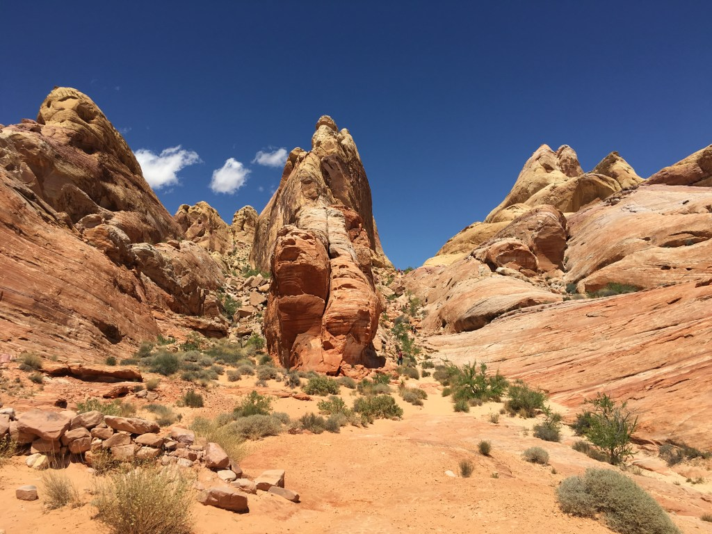 Trips from Las Vegas - Valley of Fire State Park | TheWeekendJetsetter.com