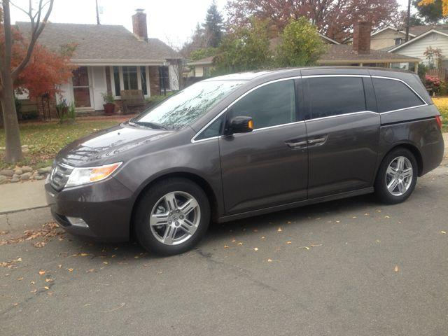 2013 Honda Odyssey: Large luxury sedan disguised as a hip minivan 3