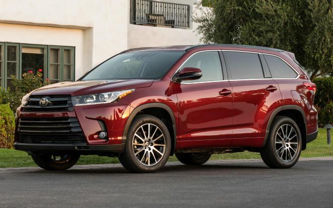 2017 Toyota Highlander Hybrid redefines SUV market