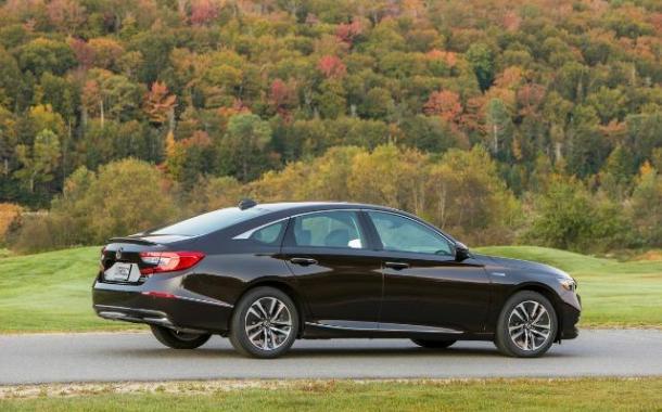 PREVIEW: 2018 Honda Accord Hybrid, priced lower