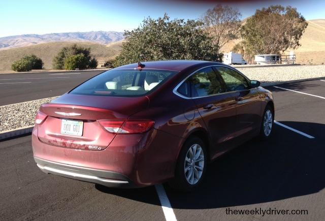 2015 Chrysler 200: Watch out Honda Accord 4
