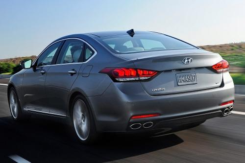 The 2015 Hyundai Genesis has been redesigned.
