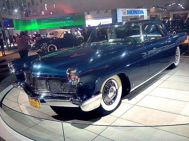 Elizabeth Taylor's 1956 Lincoln Mark II.