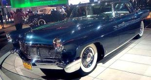 Elizabeth Taylor's 1956 Lincoln Mark II.