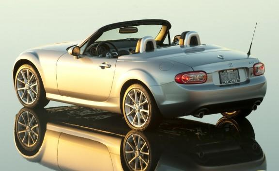 The 2006 Mazda MX-5: A Best Used Car from theweeklydriver.com
