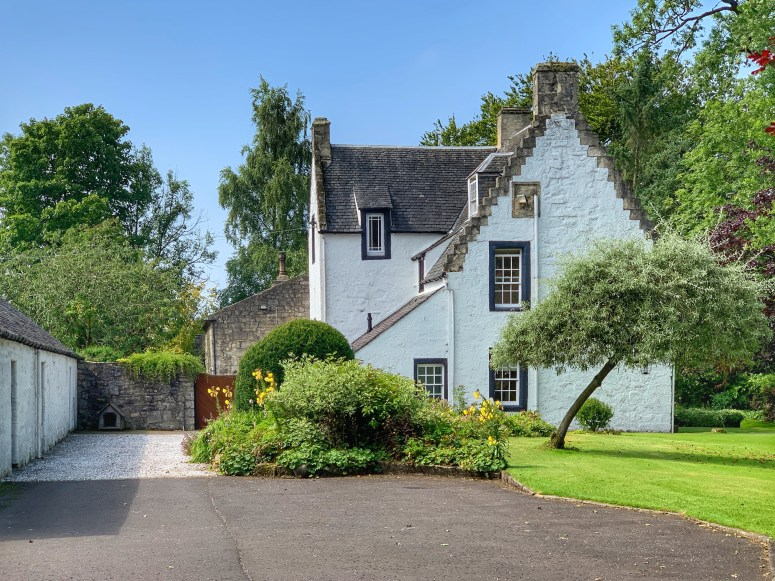 Scotland off the beaten track, Kilmaurs