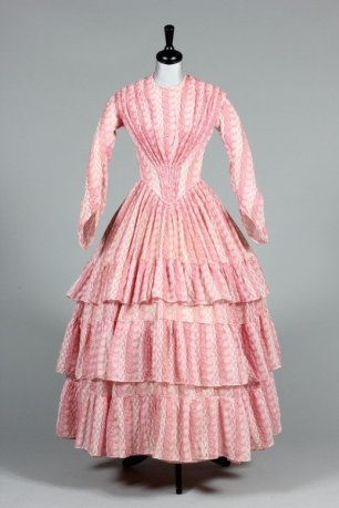 Printed muslin day dress, circa 1855 | Kerry Taylor Auctions