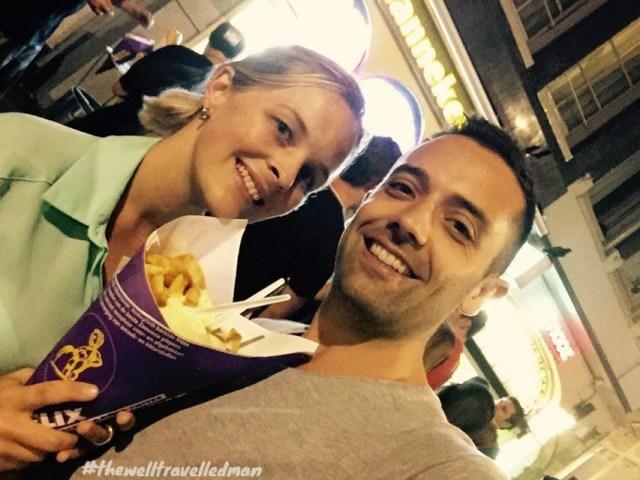 thewelltravelledman travel blog Amsterdam manneken pis frites fries chips