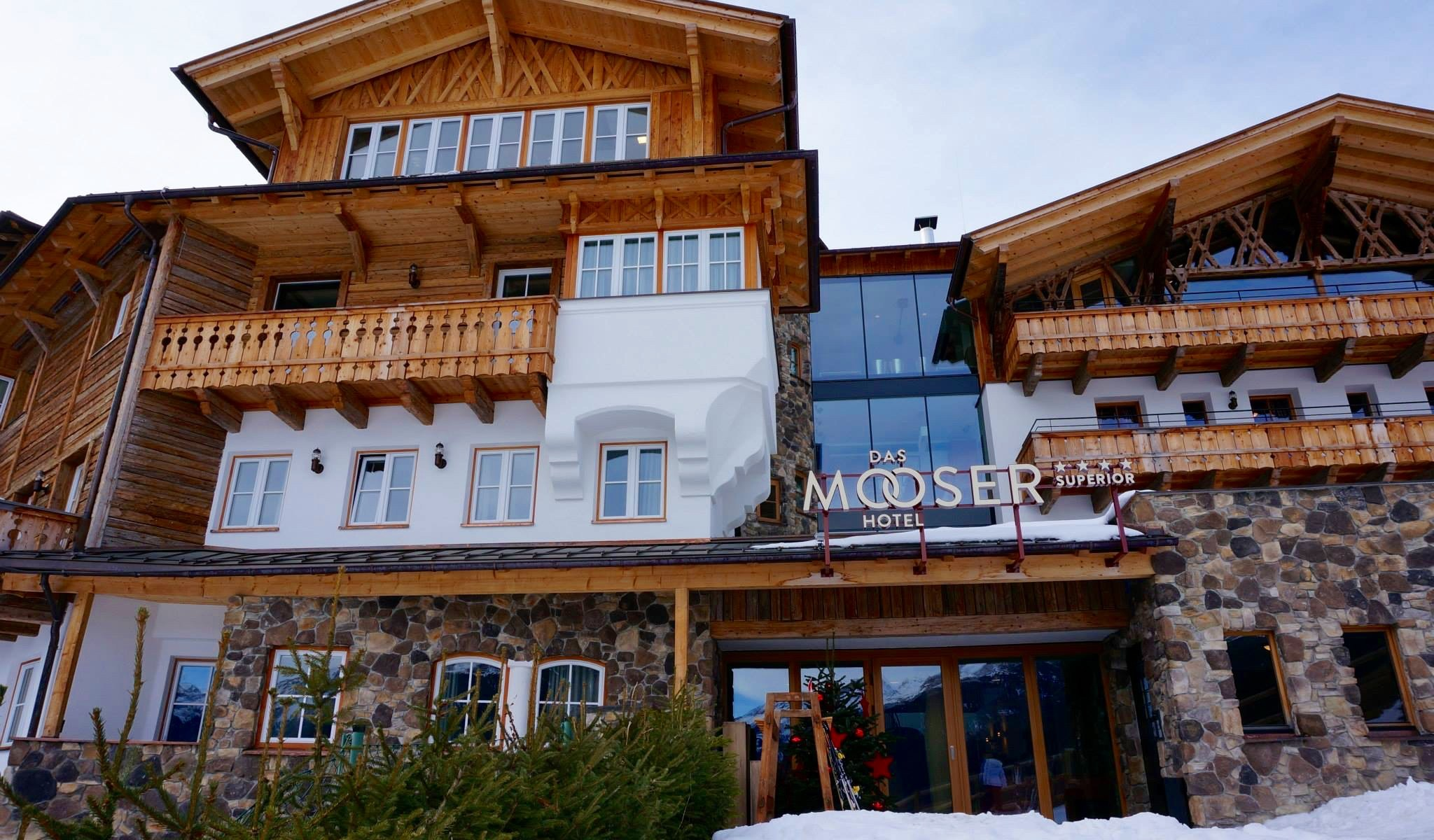 Mooser Hotel - Skiing St Anton am Arlberg by the well travelled man