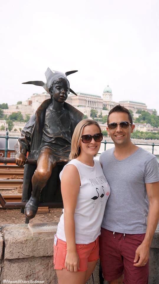 thewelltravelledman statue in budapest