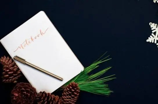 Holiday Memories: 3 Ways to Capture Them in Your Journal